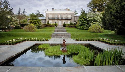 Garden of Bartow-Pell Mansion